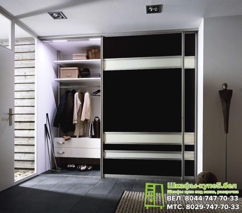 Черный шкаф-купе двухдверный